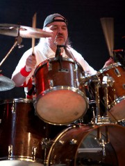 Klaus Sperling (Drums)